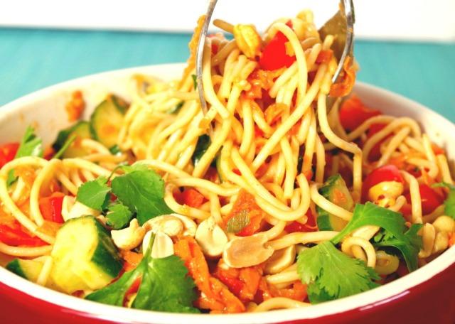 easy-spicy-peanut-pasta-salad-recipe